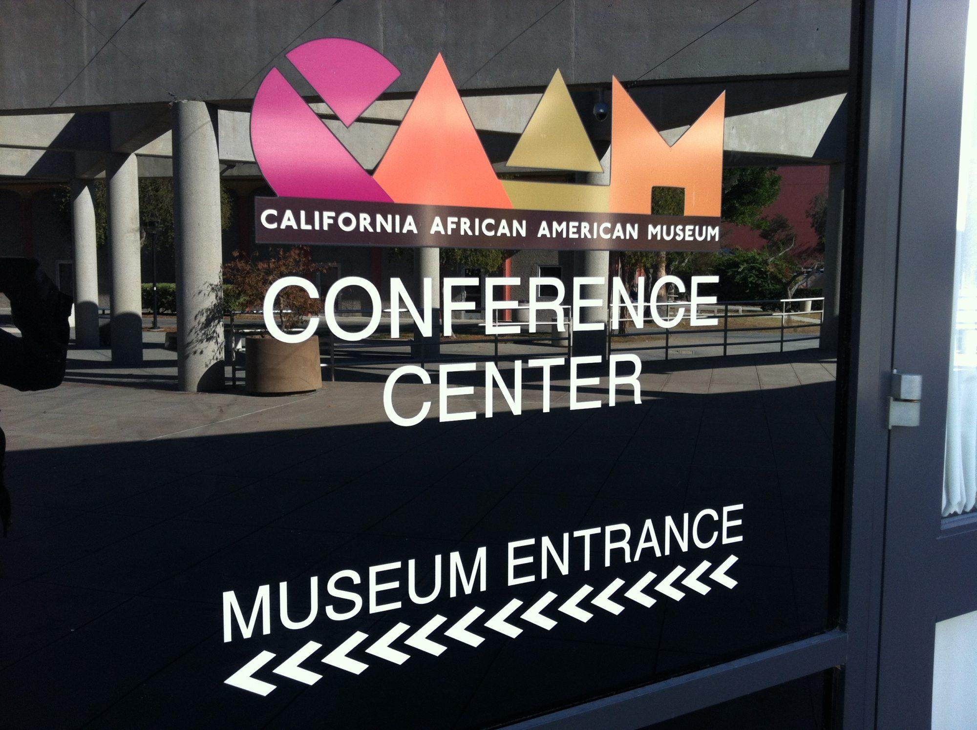 L'entrée du California African American Museum à Los Angeles
